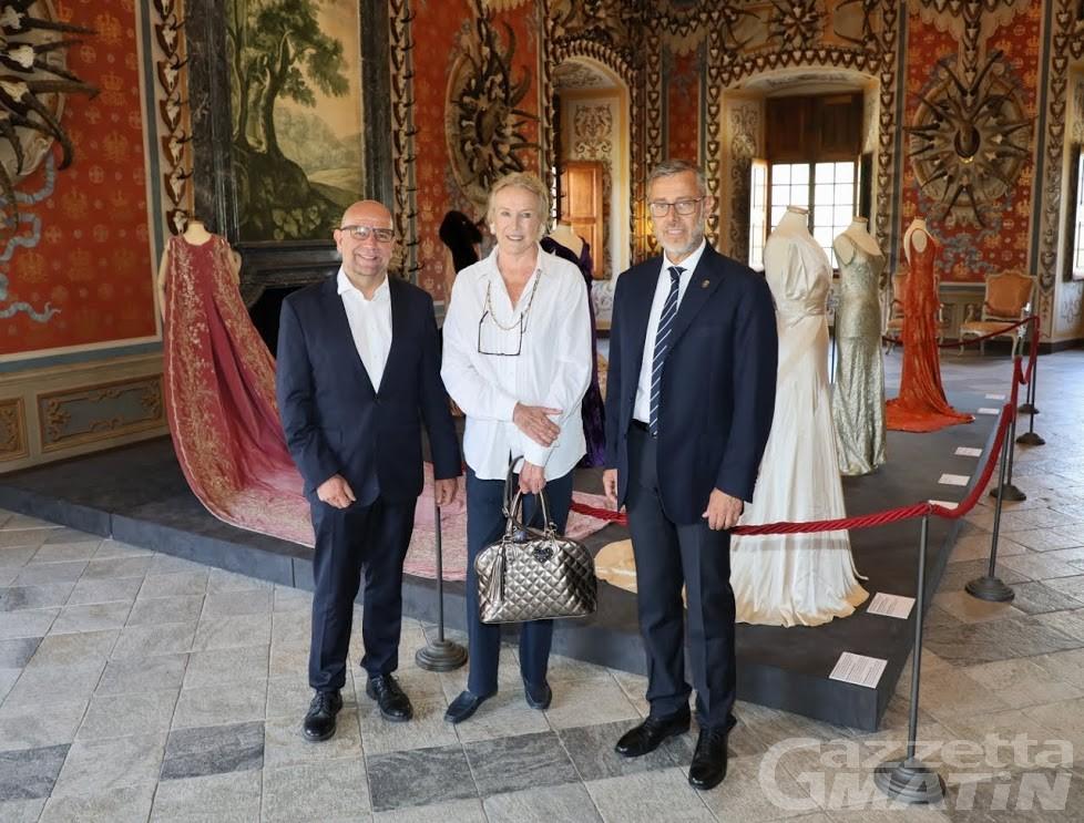Maria Gabriella di Savoia in visita al castello di Sarre