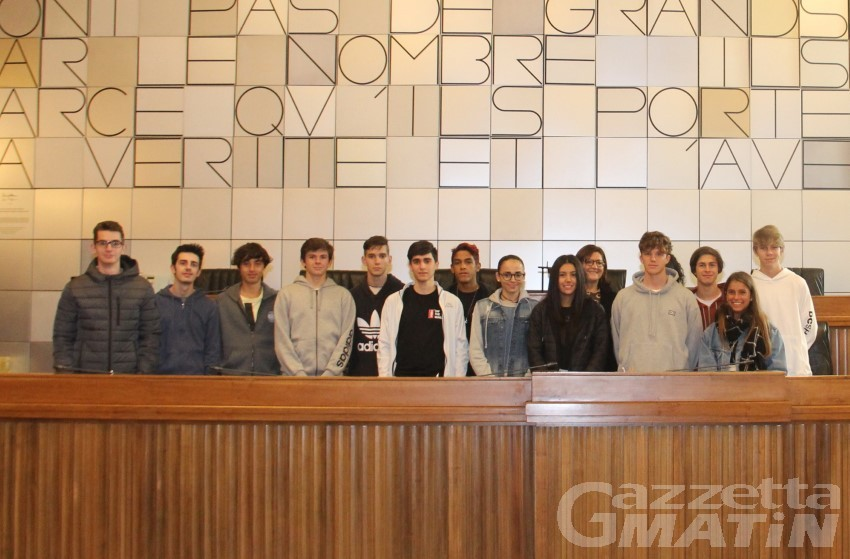 """Consiglio regionale: torna """"portes ouvertes"""" alle scuole"""