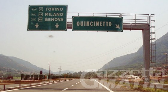 Autostrada A5 chiusa in direzione Aosta per ribaltamento camion