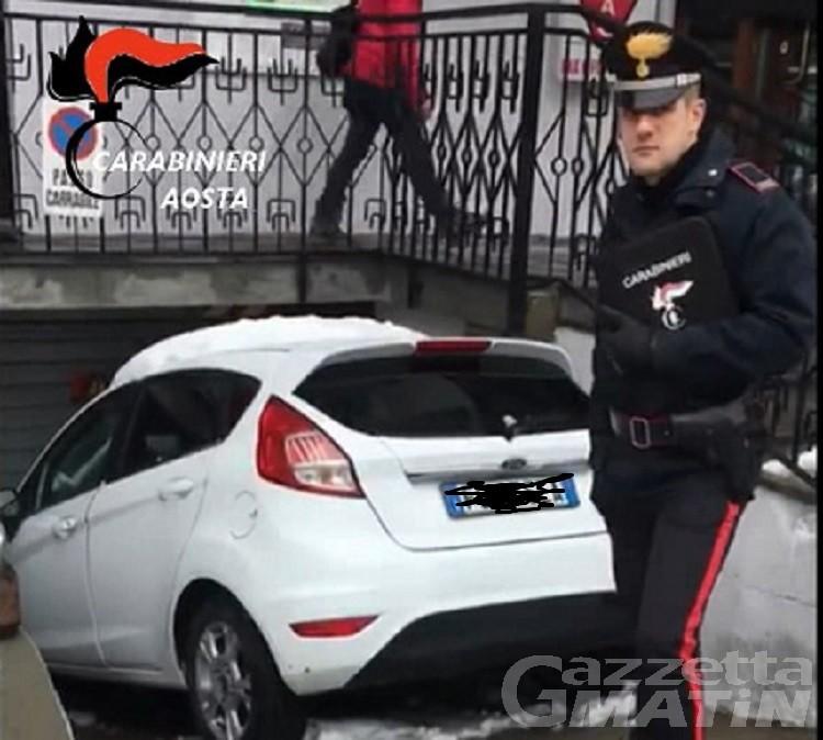 La Thuile: ubriaco al volante tenta di corrompere i carabinieri, denunciato