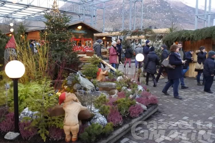 Natale: ad Aosta mercatini e pista di pattinaggio in piazza