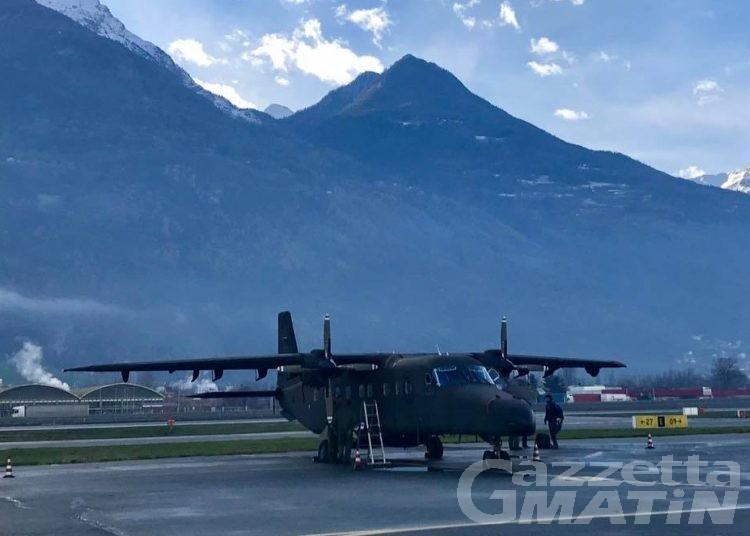 Esercito: gli atleti paracadutisti hanno lasciato la Valle