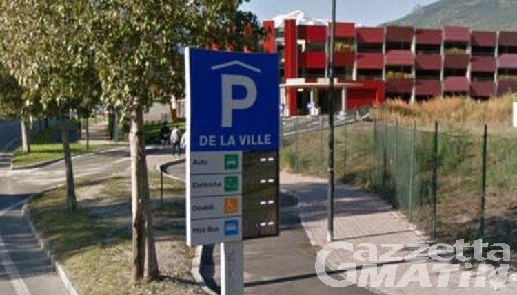 Aosta, il Parking de la Ville riceve un riconoscimento internazionale, ma in pochi lo utilizzano