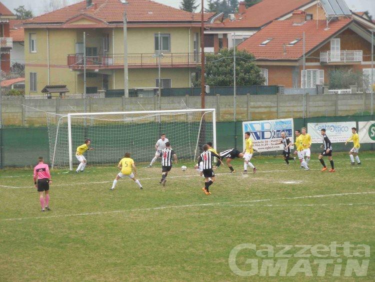 Calcio: l'Aygreville rallenta il Verbania, il P.D.H.A. è a -4