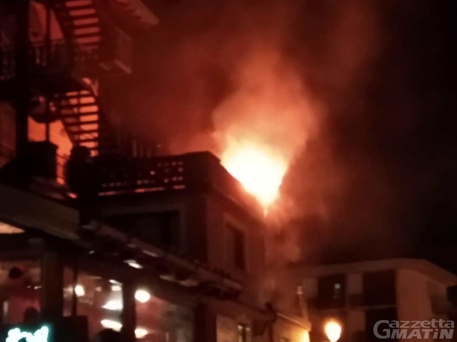 Breuil Cervinia, incendio in ristorante durante i festeggiamenti della Dama Bianca
