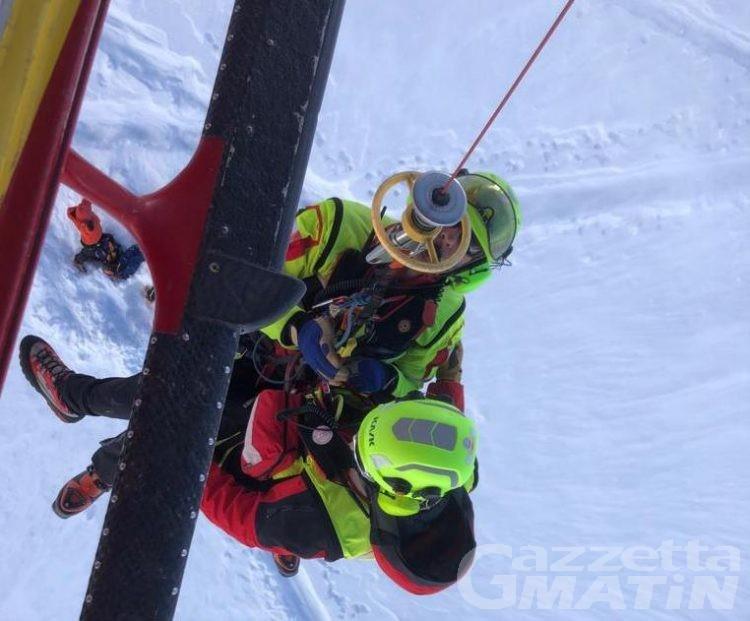 Recuperato sul colle Gran Neyron uno scialpinista