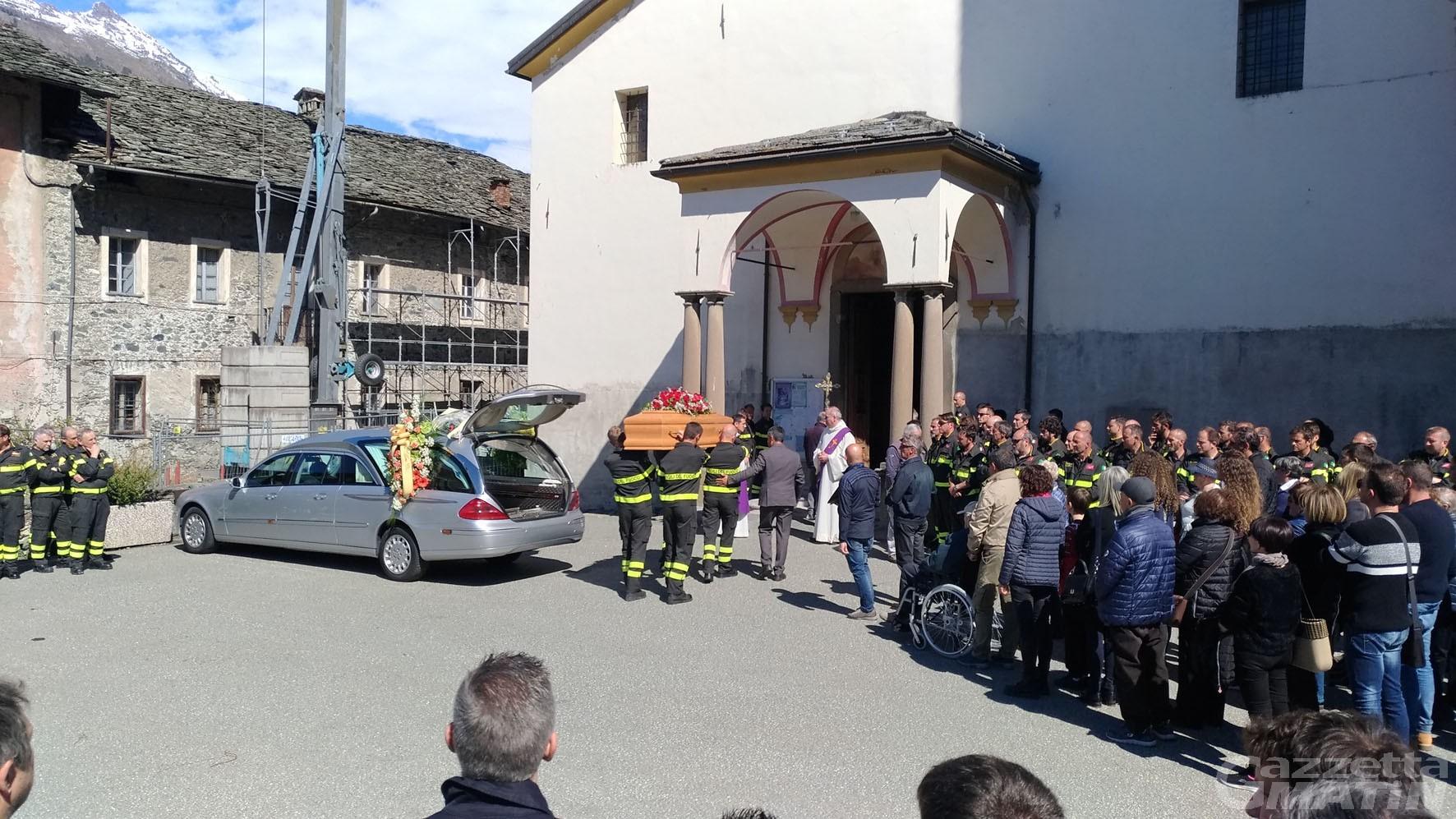 Lutto: una folla per l'addio a Corrado Hérin