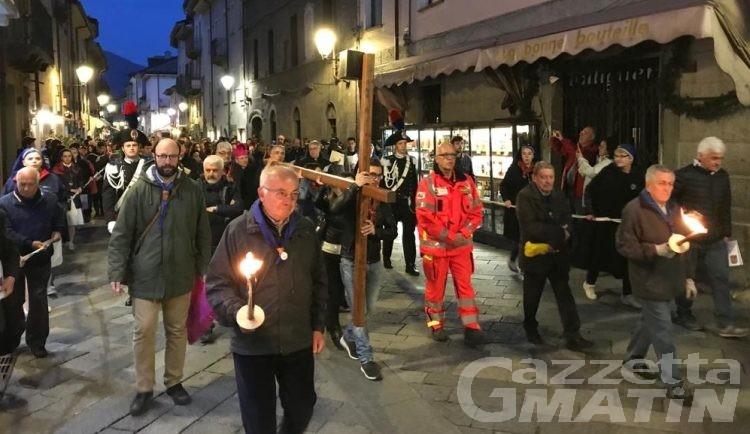 Pasqua ad Aosta: 1500 fedeli alla Via Crucis