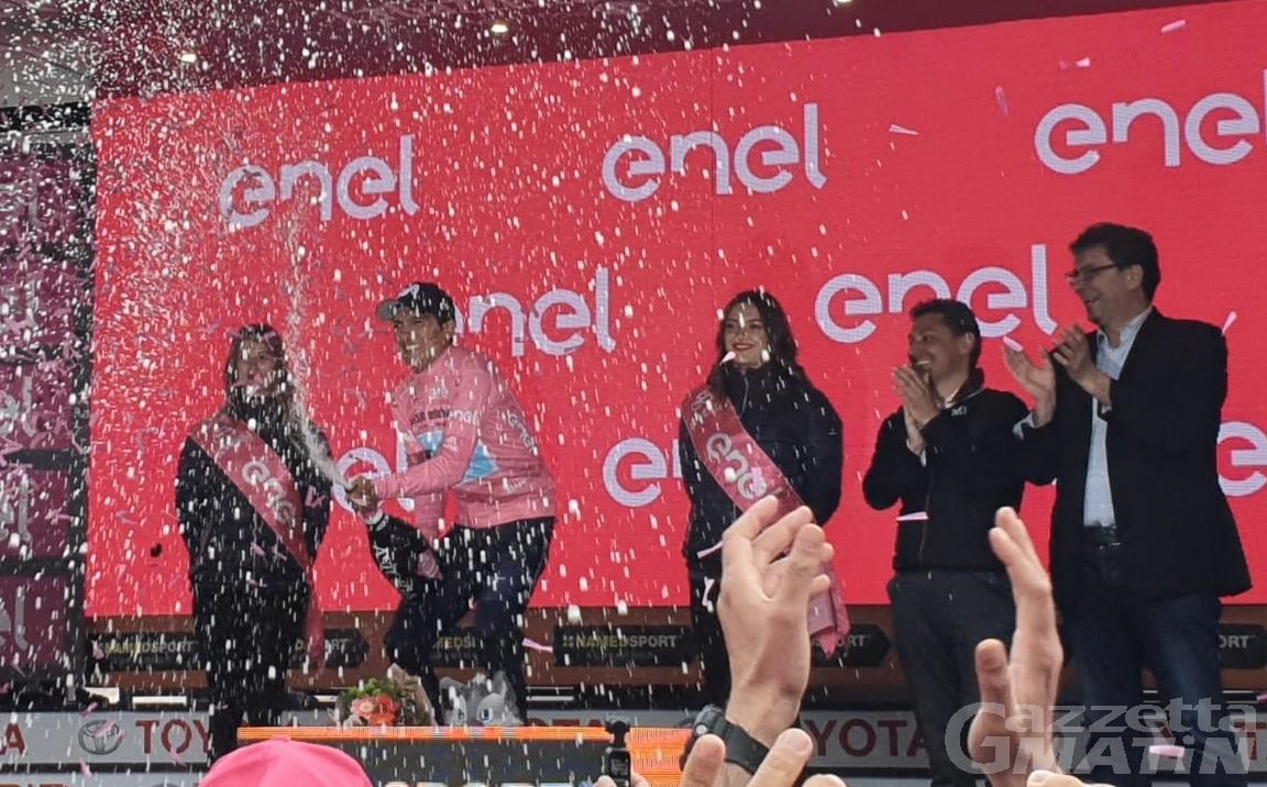 Giro d'Italia: Carapaz trionfa a Courmayeur ed è maglia rosa