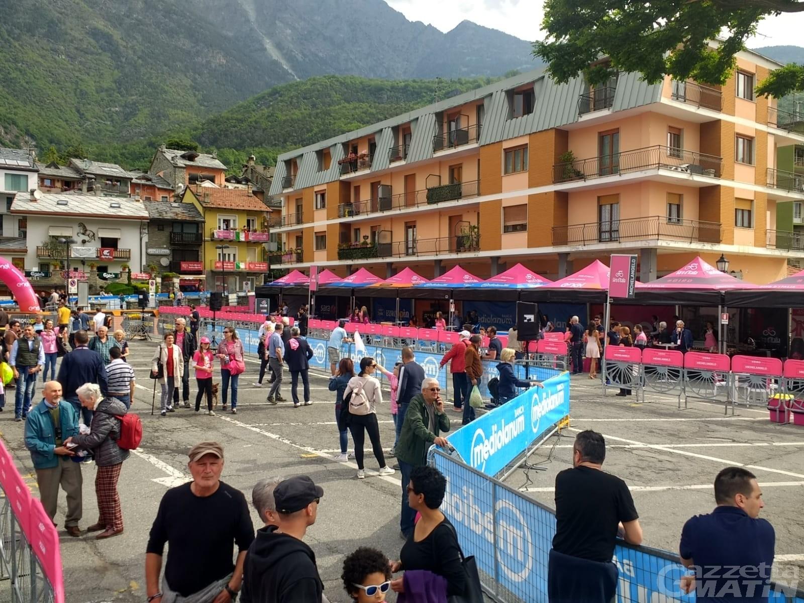 Giro d'Italia: tutto pronto per il tappone alpino