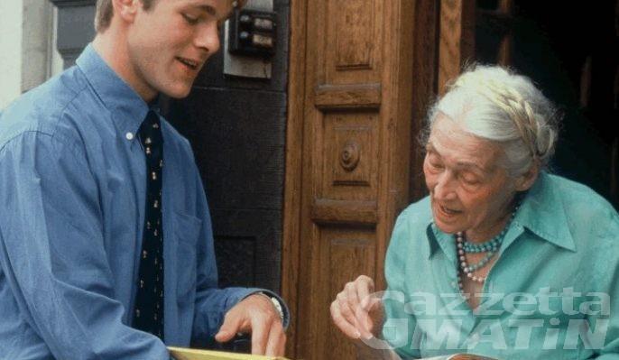 Truffe a due anziane, bottino oltre 8 mila euro