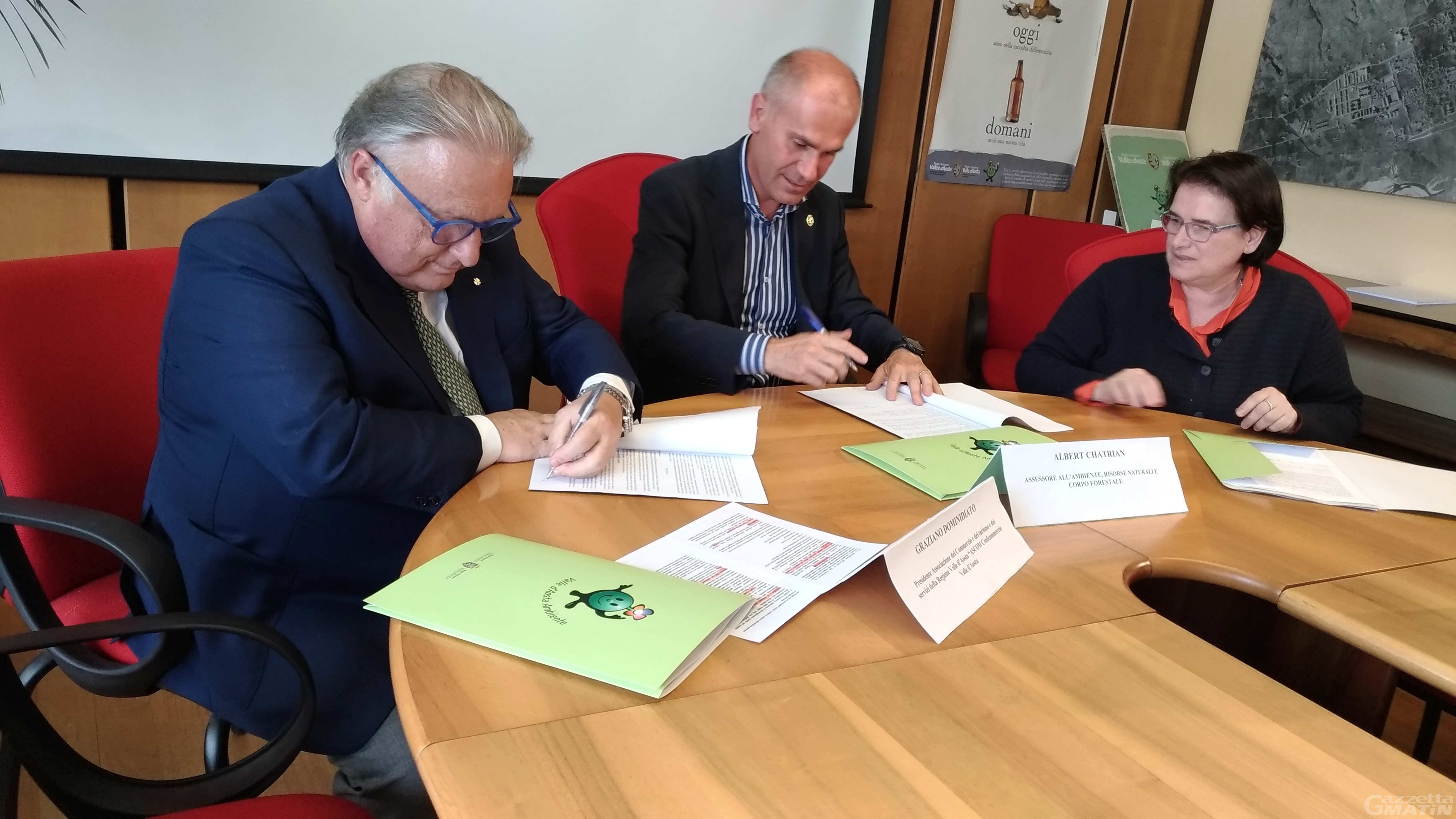 Plastic Free: Regione VdA e Ascom siglano un accordo
