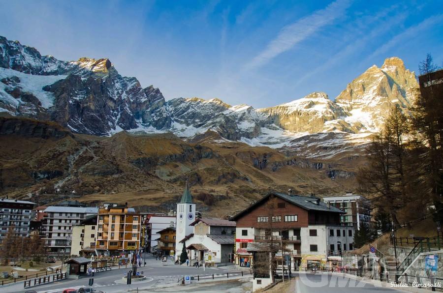 Valtournenche: ingiurie ai Maquignaz a firma Sertorelli SportHotel ma è un falso