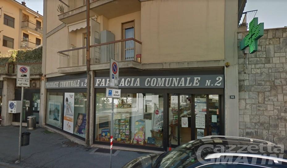 Aosta, punta la pistola a una farmacista: «Dammi i soldi e non succede niente»