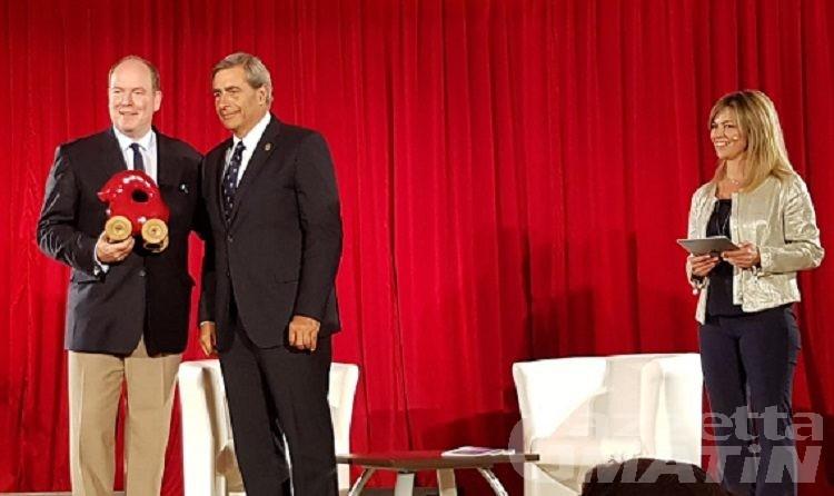 Cogne, il principe Alberto di Monaco difende la biodiversità