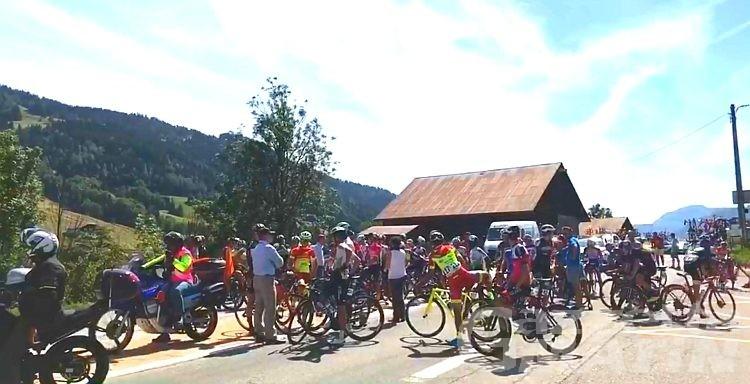 Giro della Valle:  Ide Schelling in giallo nella tappa caos