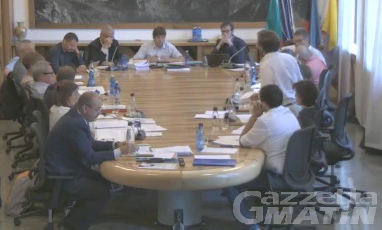 Courmayeur, bocciata l'interrogazione di Sottile, scatta la polemica