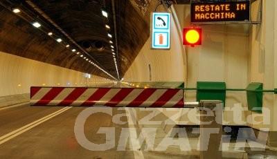 Tunnel Monte Bianco: chiuso al traffico per l'avaria di un pullman