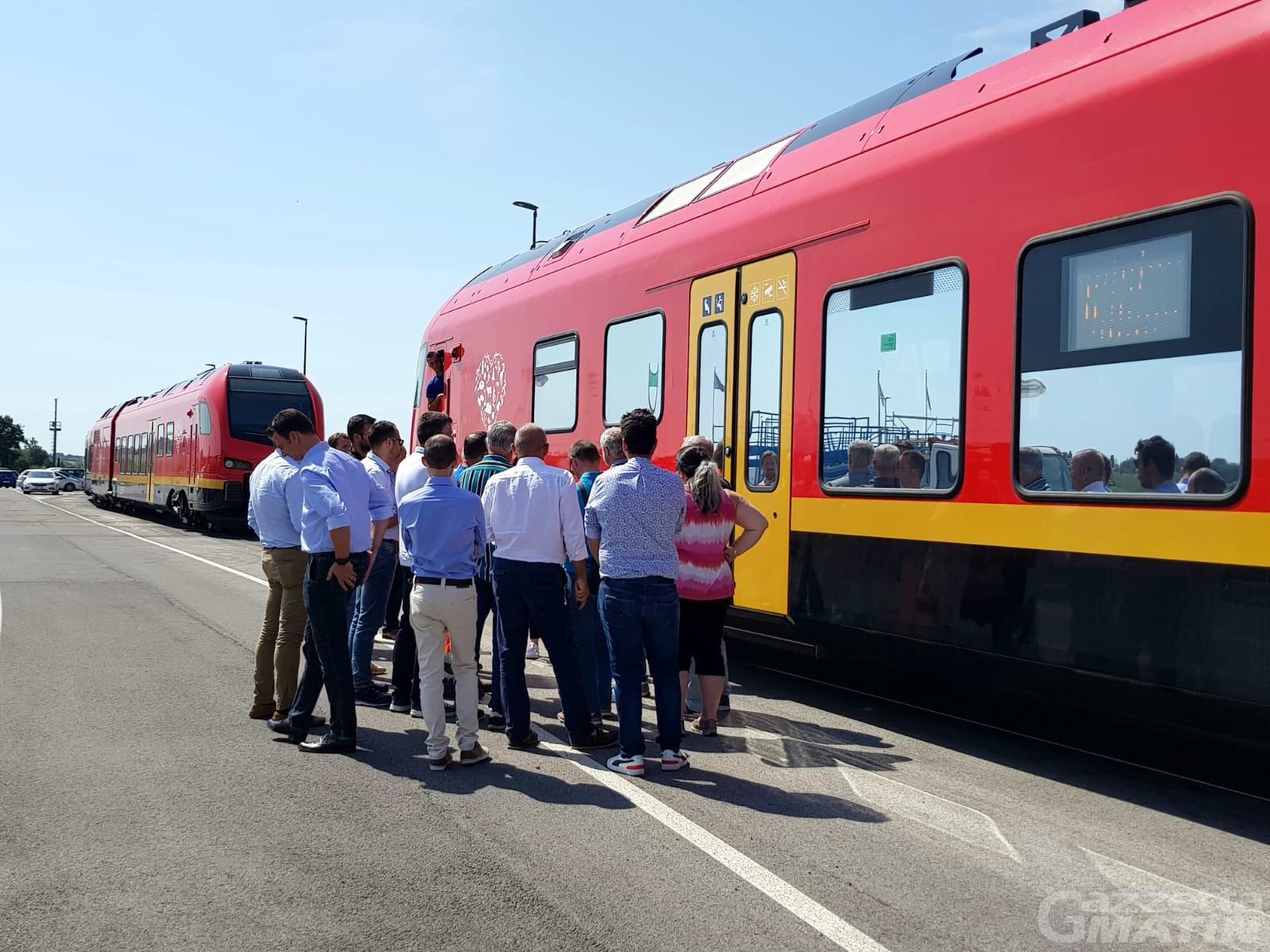 Ferrovia, treni bimodali con batterie all'idrogeno: respinta la mozione della Lega