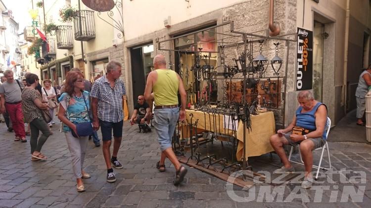 Foire d'été: artigiani in via fino a stasera