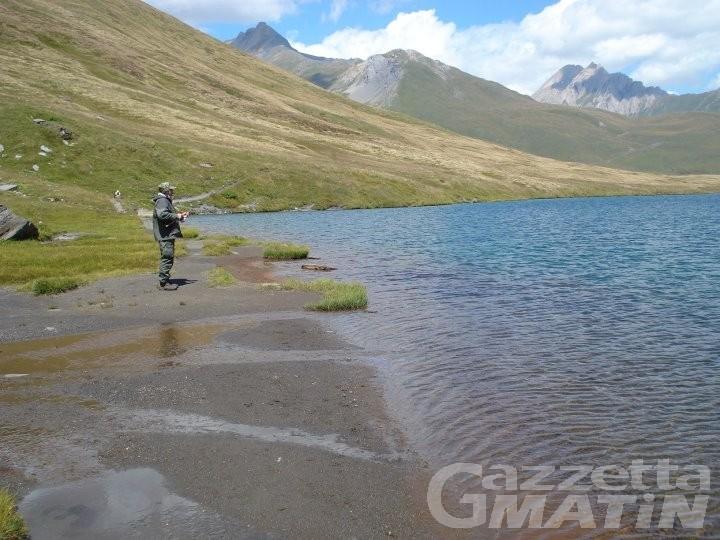 Pesca: cinque multe elevate al lago Verney di La Thuile