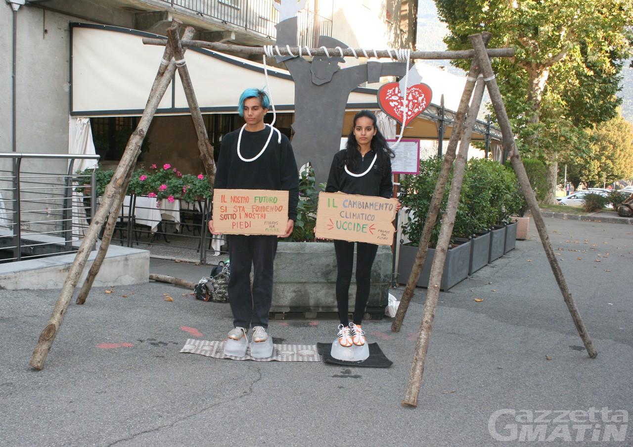 Ambiente: i ragazzi di Greta Thunberg tornano in piazza