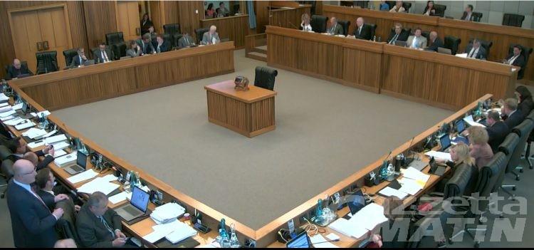 Riforma legge elettorale: stop alla commissione speciale, è polemica tra i consiglieri