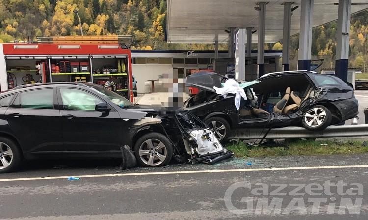 La Salle, scontro due auto: in due all'ospedale