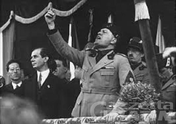 Saint-Vincent: nove consiglieri abbandonano l'aula, Mussolini resta cittadino onorario