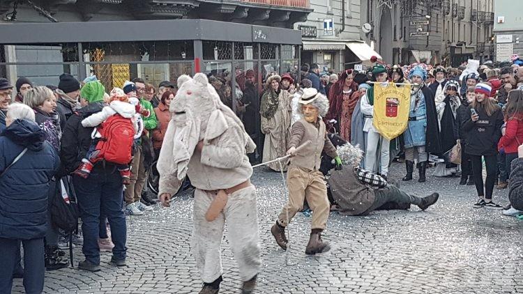 Aosta: migliaia di persone per il ritorno del Carnavals de Montagne