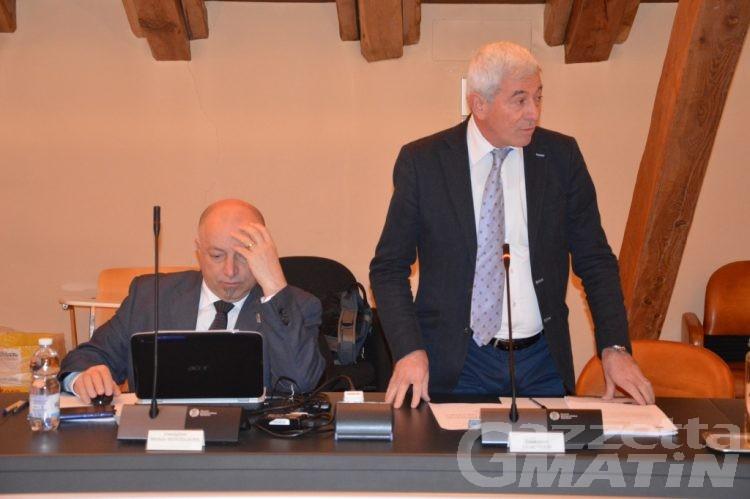 Consiglio Aosta: Ettore Viérin entra e spara subito sulla maggioranza
