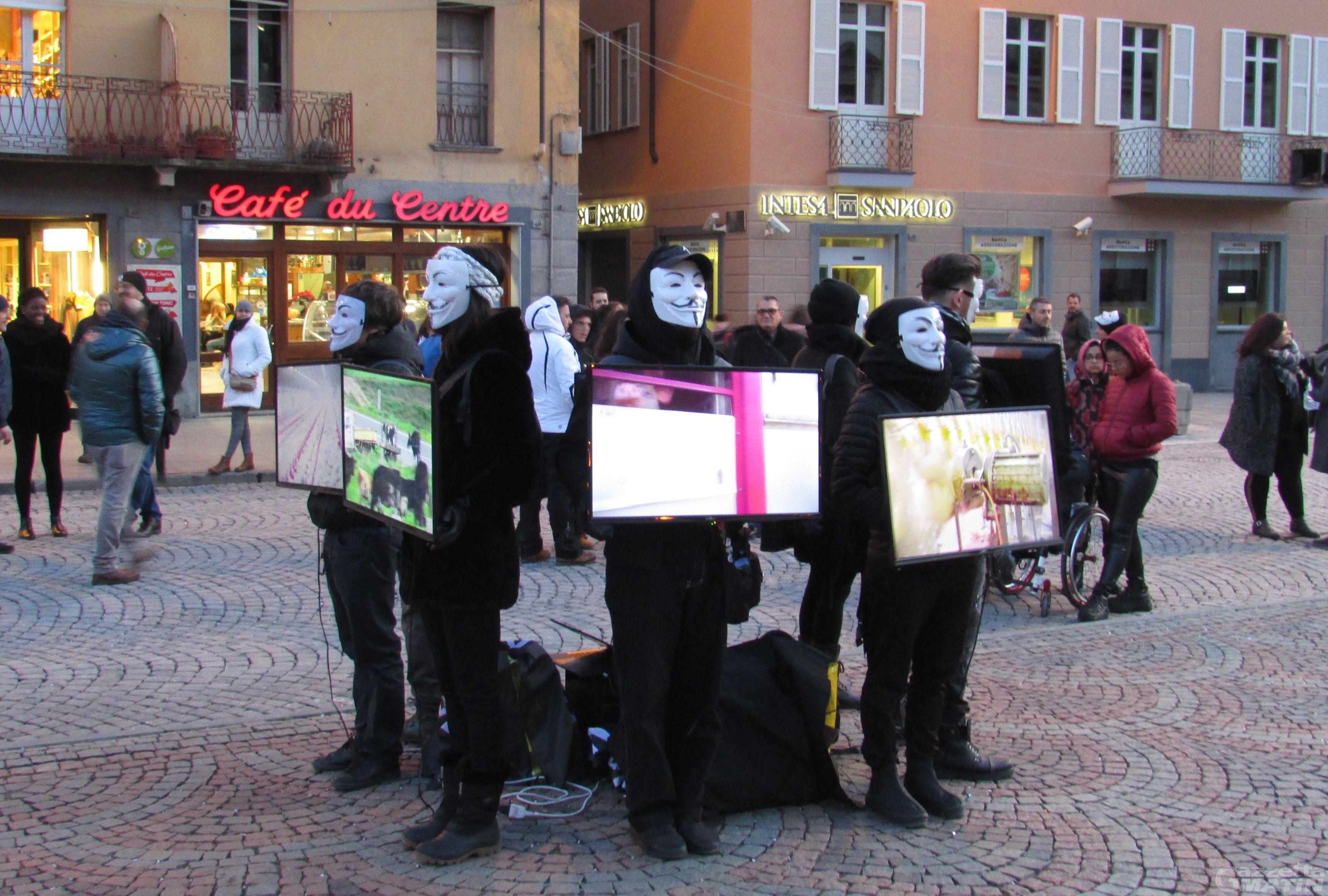 Anonymous for the Voiceless: il movimento attivista vegano in piazza ad Aosta