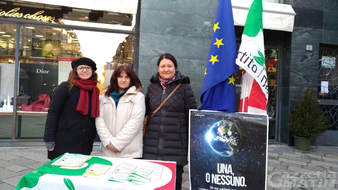 """Pd: in piazza con lo slogan """"Rigeneriamo la Valle d'Aosta'"""