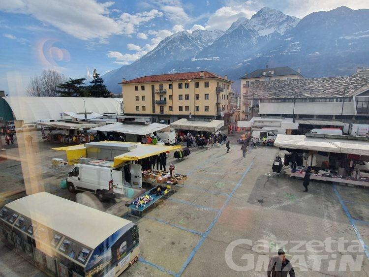 Crisi nera del commercio: è fuga anche dal mercato di Aosta