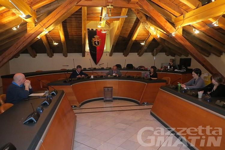 Aosta: via libera alla cittadinanza onoraria a Liliana Segre, revocata quella a Mussolini