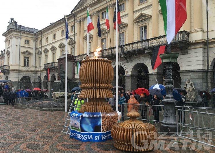 Alpiniadi: Albarello accende il tripode in piazza Chanoux