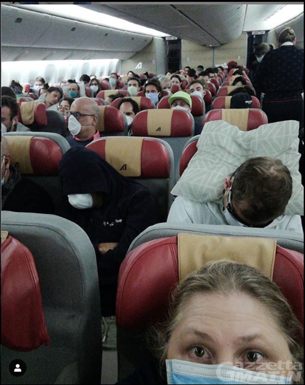 Coronavirus: rimpatrio degli italiani, ma sugli aerei non c'è sicurezza