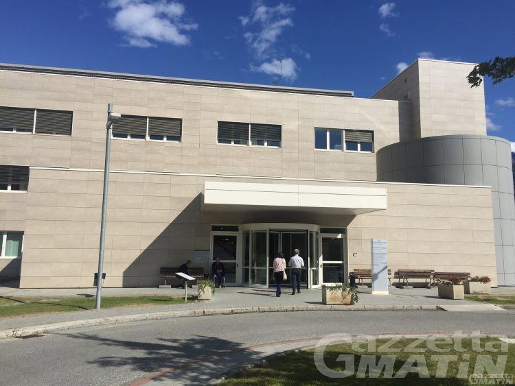Coronavirus, la clinica di Saint-Pierre raddoppia: 60 posti e un futuro da ospedale Covid