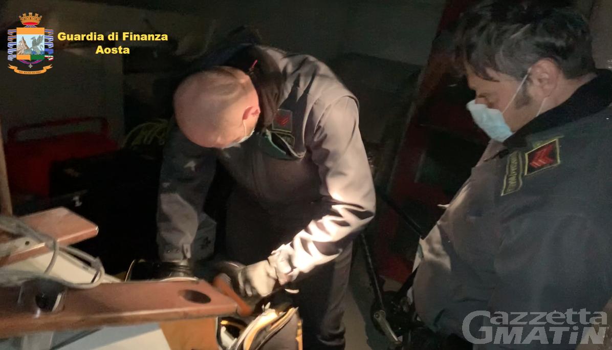 """Operazione FeuDora: quel camion sospetto e il presunto """"fiancheggiatore"""" calabrese"""