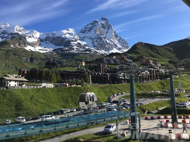 Cervinia: partita la stagione dello sci estivo valdostano