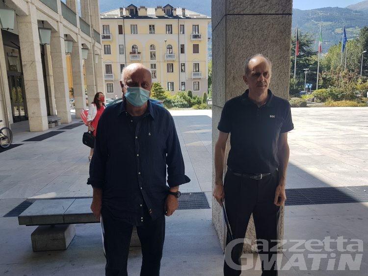 Rifiuti: contro la discarica di Chalamy 13.200 firme e ricorso al Tar