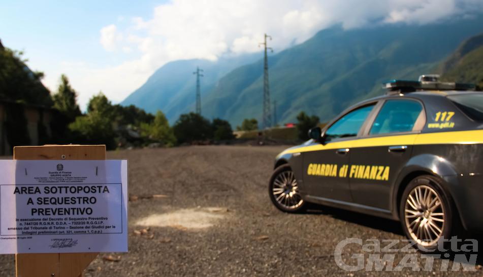 Traffico illecito di rifiuti in Valle d'Aosta, blitz della Finanza: 5 indagati, sequestri e perquisizioni