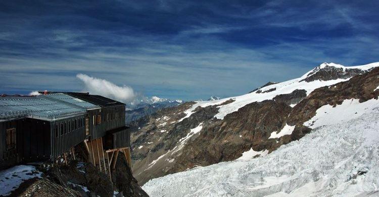 Monte Rosa, dodicenne cade in un crepaccio: ricoverato a Torino