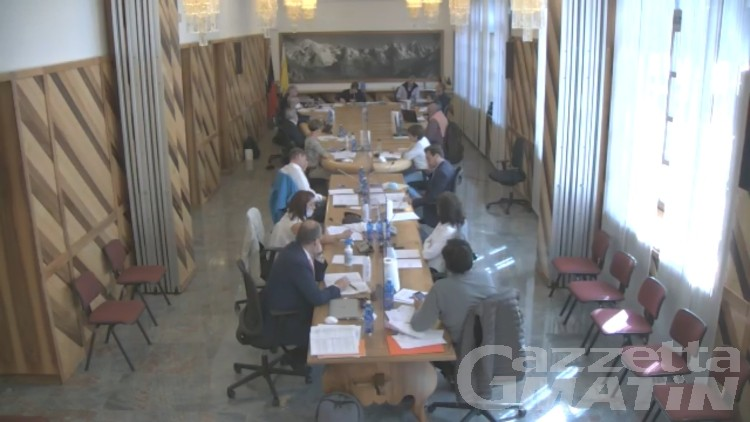 Courmayeur, non passano i verbali: tutti in salita i lavori del Consiglio comunale