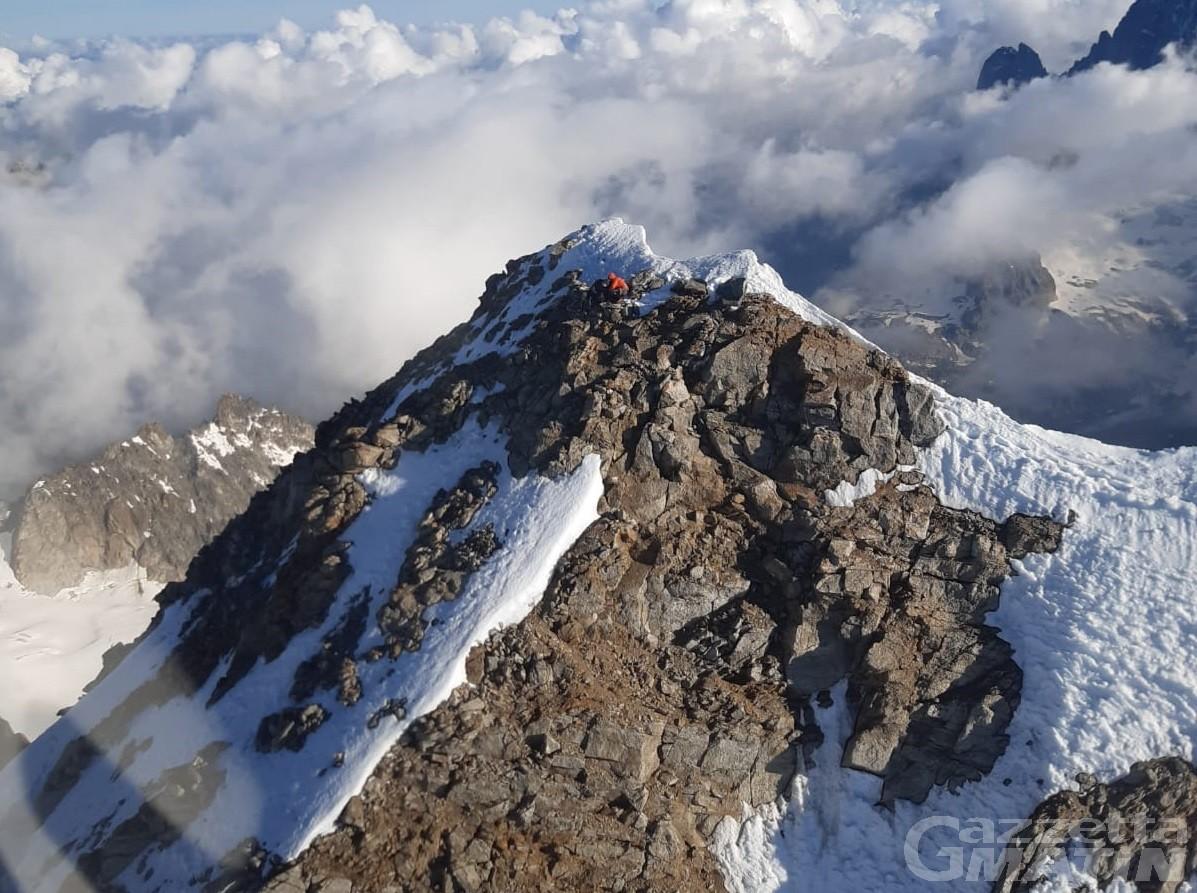 Alpinisti in difficoltà con i materiali: tratti in salvo dal Soccorso Alpino Valdostano