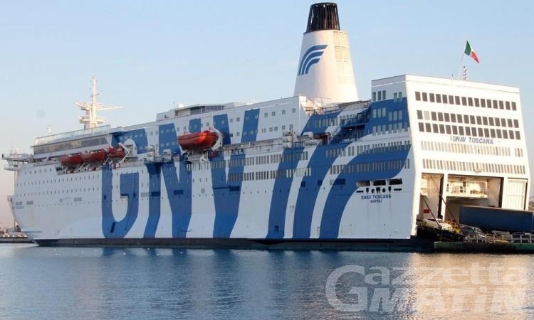 Migranti: c'è un medico valdostano sulla nave della quarantena in Sicilia