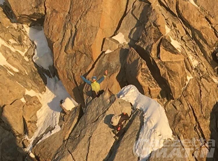 Alpinisti francesi bloccati per la perdita di uno scarpone: recuperati dopo una notte in quota