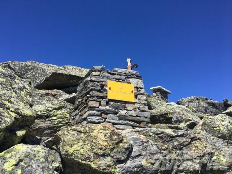 La Salle, escursionista perde la vita dopo essere caduto per 30 metri: non si esclude il malore