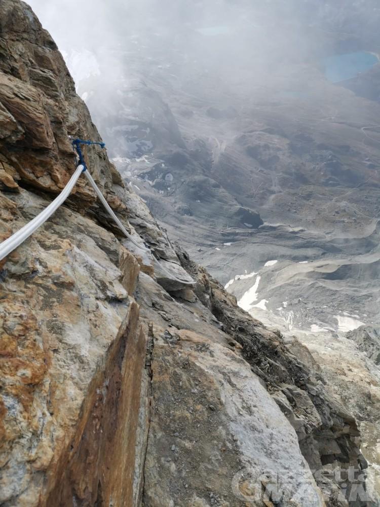Montagna: scariche di sassi sul Cervino, la scala Jordan non è praticabile