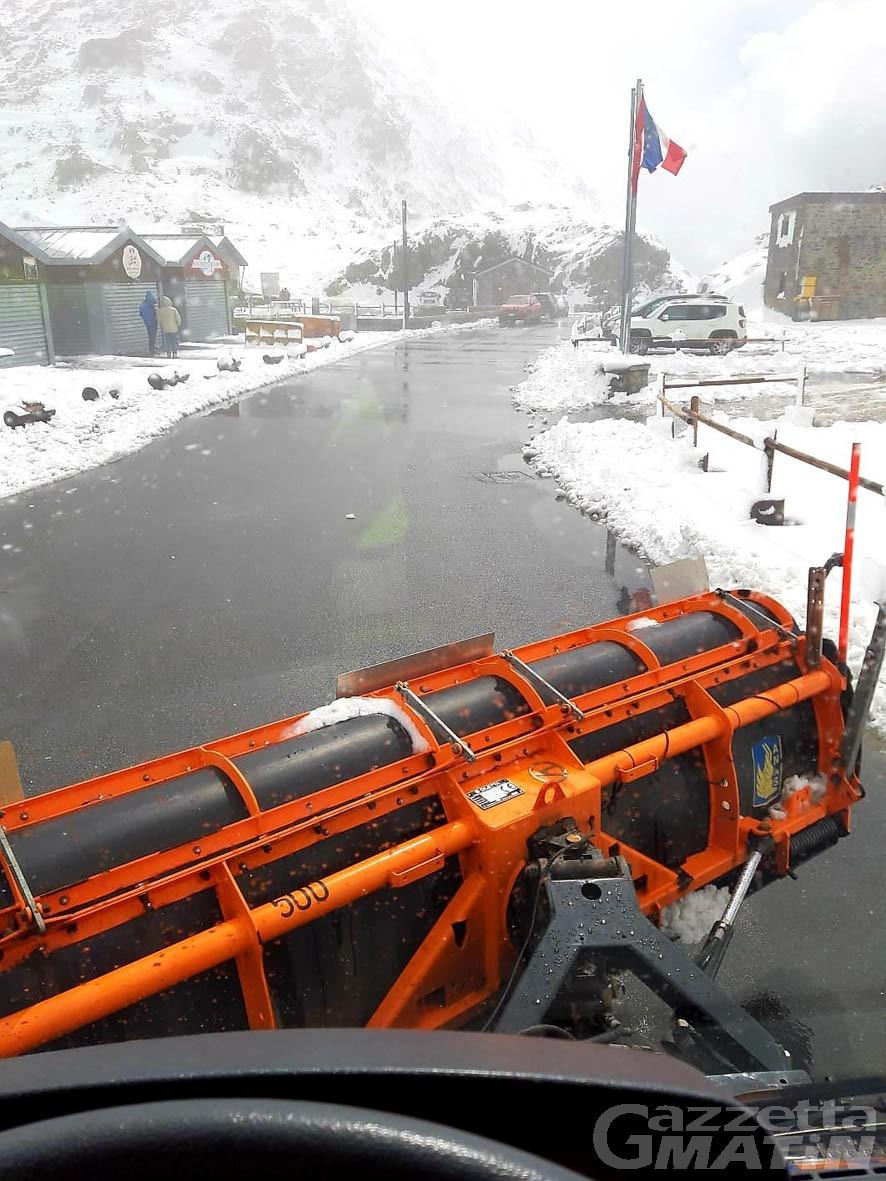 Viabilità: possibili stop alla circolazione ai colli del Piccolo e Gran San Bernardo